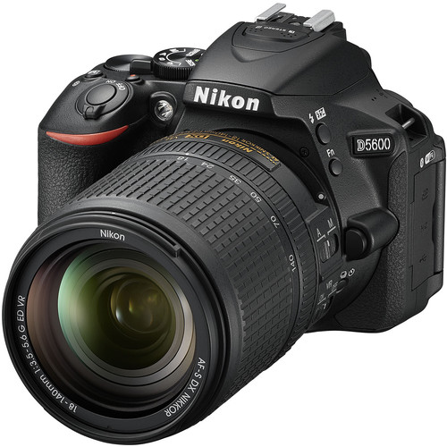 Nikon D5600 + 18-140mm F3.5-5.6G AF-S DX ED VR (Free 16GB SD Card & Camera Bag)