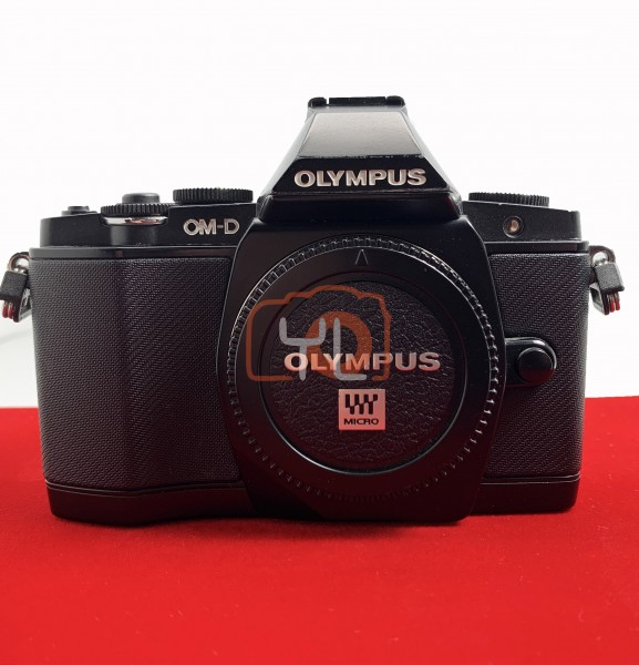 [USED-PJ33] Olympus E-M5 Body (Black), 90% Like New Condition (S/N:BEL507034)