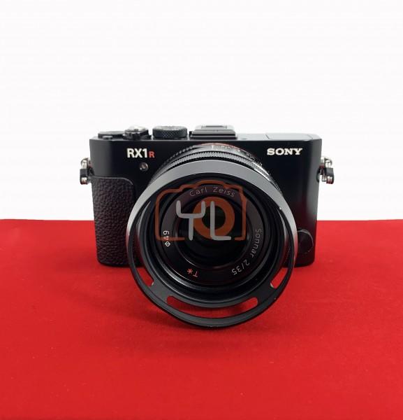 [USED-PJ33] Sony DSC-RX1 R II Full Frame Camera,  90% Like New Condition (S/N:8160419)