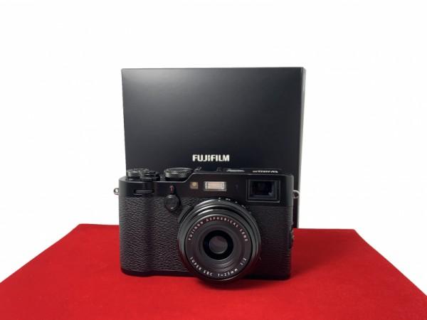 [USED-PJ33] Fujifilm X100F Camera (Black), 85% Like New Condition (S/N:72M51228)