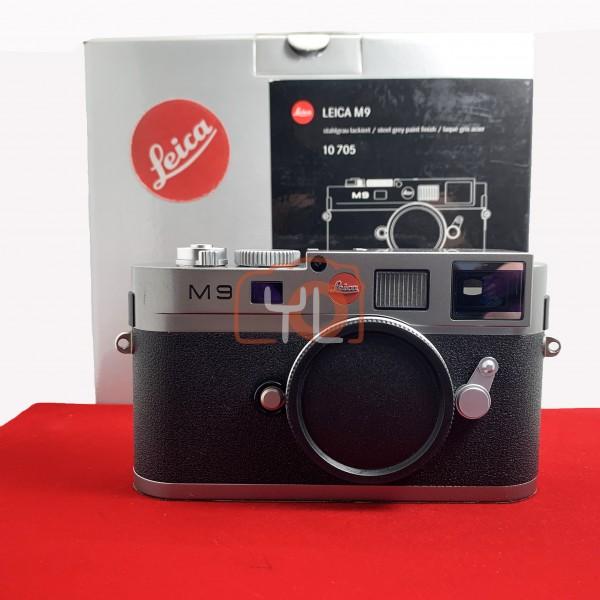[USED-PJ33] Leica M9 Body (Grey) 10705 (New Sensor ID :16 ), 90% Like New Condition (S/N:4203185)