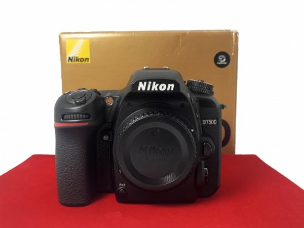 [USED-PJ33] Nikon D7500 Body (SC:22K), 95% Like New Condition (S/N:2014537)