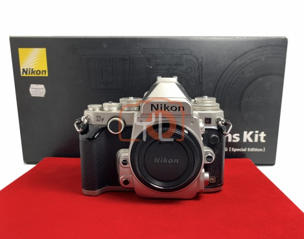 [USED-PJ33] Nikon DF Camera Body (Silver),85% Like New Condition (S/N:8400911)