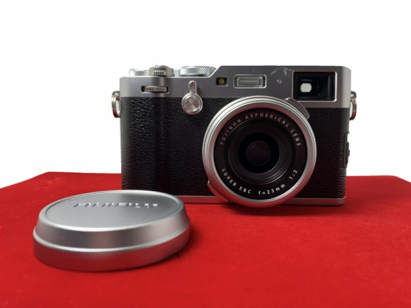 [USED-PJ33] Fujifilm X100F Camera (Silver),85% LIKE NEW CONDITION (S/N:71M04781)
