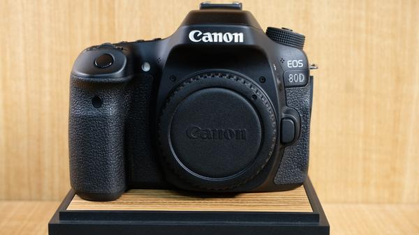 (USED-LOWYAT) CANON EOS 80D CAMERA BODY,90% LIKE NEW CONDITION,S/N:201024002123