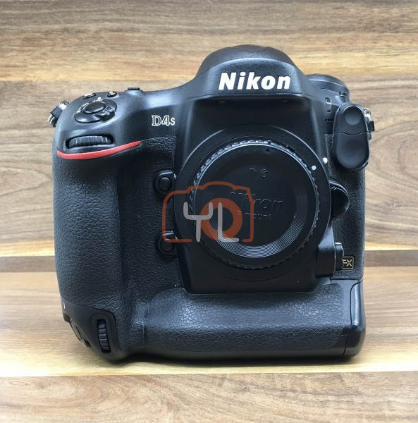 [USED @ YL LOW YAT]-Nikon D4s Camera Body,85% Condition Like New,S/N:2014310