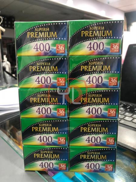 Fujifilm Superia Premium 400 135 Film (One Roll)