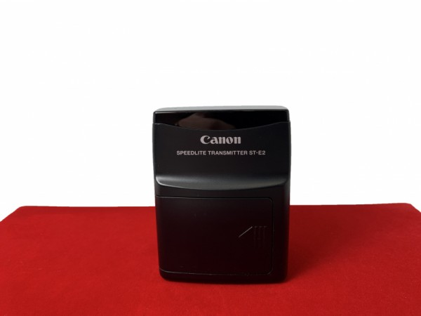 [USED-PJ33]  Canon ST-E2 Speedlite Transmitter (430EX I & II,580EX I & II Flash), 80% Like New Condition (S/N:OW0415)