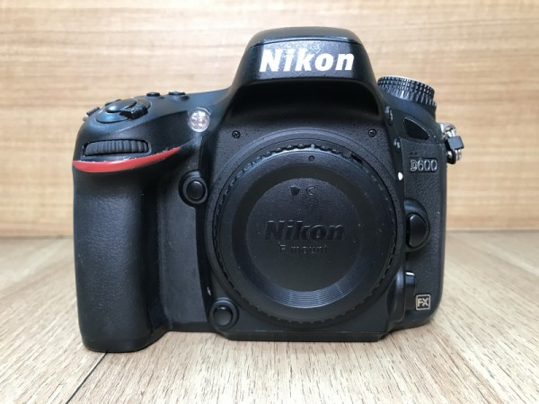 [USED @ YL LOW YAT]-Nikon D600 Camera Body,85% Condition Like New,S/N:8043885