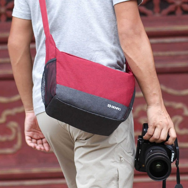 Benro FSM30RED FreeShoot 30 Red Messenger Bag
