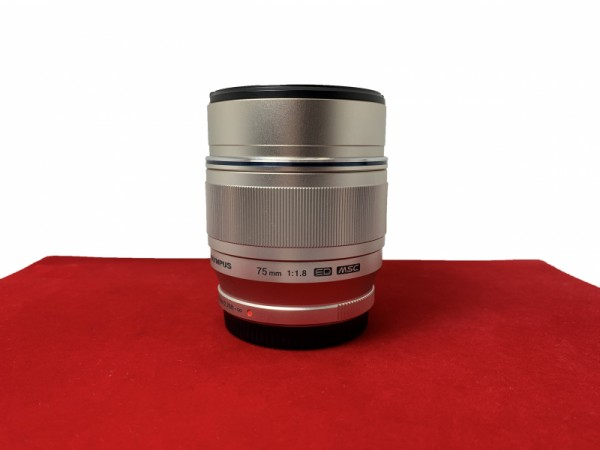 [USED-PJ33] Olympus 75mm F1.8 ED M.Zuiko (Silver), 95% Like New Condition (S/N:34001033)