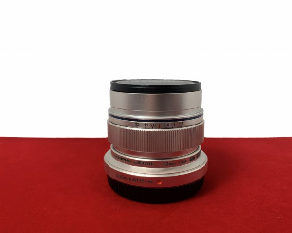 [USED-PJ33] Olympus 12MM F2 M.Zuiko (Silver), 90% Like New Condition (S/N:ABW210824)