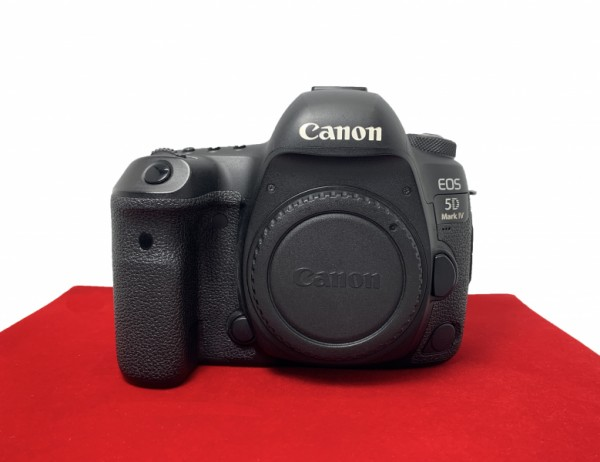 [USED-PJ33] Canon Eos 5D Mark IV Body  (Shutter Court:44K), 90% Like New Condition (S/N:068023001701)