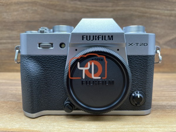 [USED @ YL LOW YAT]-FUJIFILM X-T20 CAMERA BODY (SILVER) [shutter count 1302],95% Condition Like New,S/N:7A005017