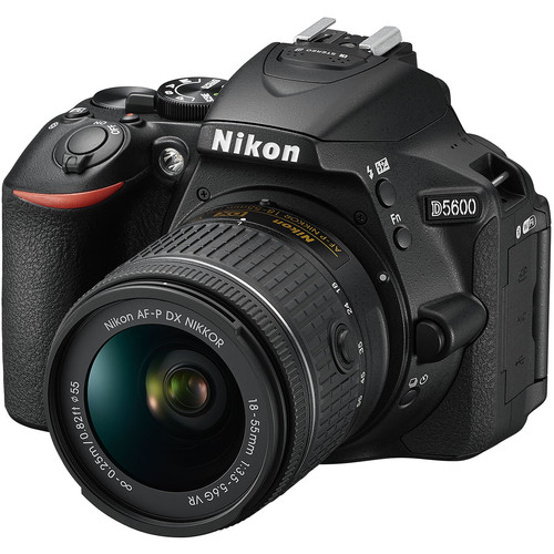 Nikon D5600 + 18-55mm F3.5-5.6G AF-P DX ED VR (Free 16GB SD Card & Camera Bag)