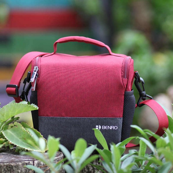 Benro FSS20RED FreeShoot 20 Red Shoulder Bag