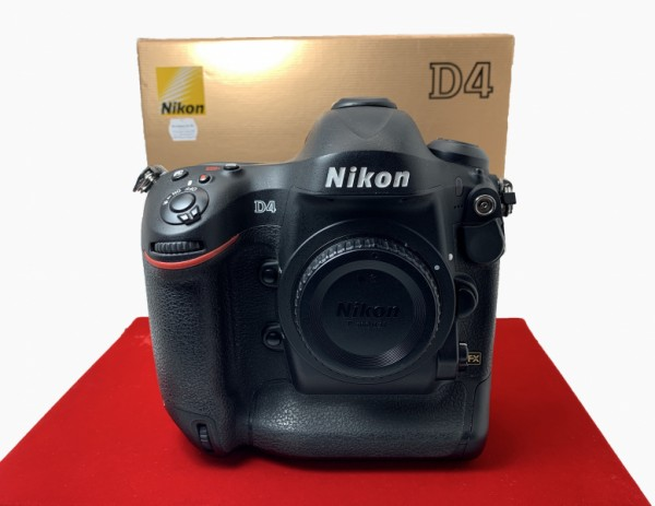 [USED-PJ33] Nikon D4 Body (SC:99K), 95% Like New Condition (SN 2115066)