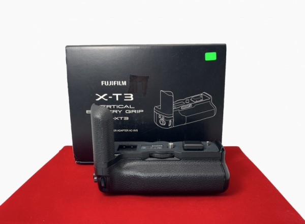 [USED-PJ33] Fujifilm VG-XT3 Battery Grip For X-T3, 99.9% Like New Condition (S/N:8DW01375)