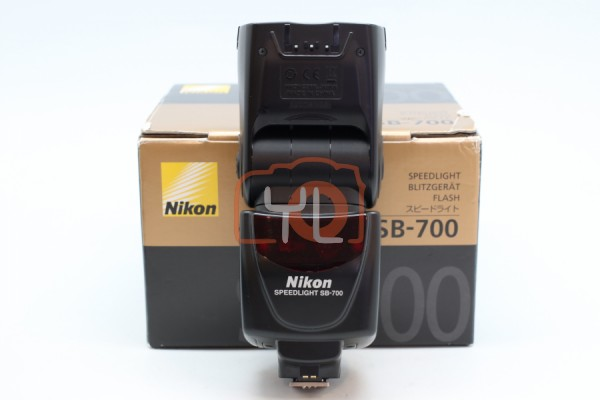 [USED-PUDU] Nikon SB-700 Speedlight 90%LIKE NEW CONDITION SN:2004135