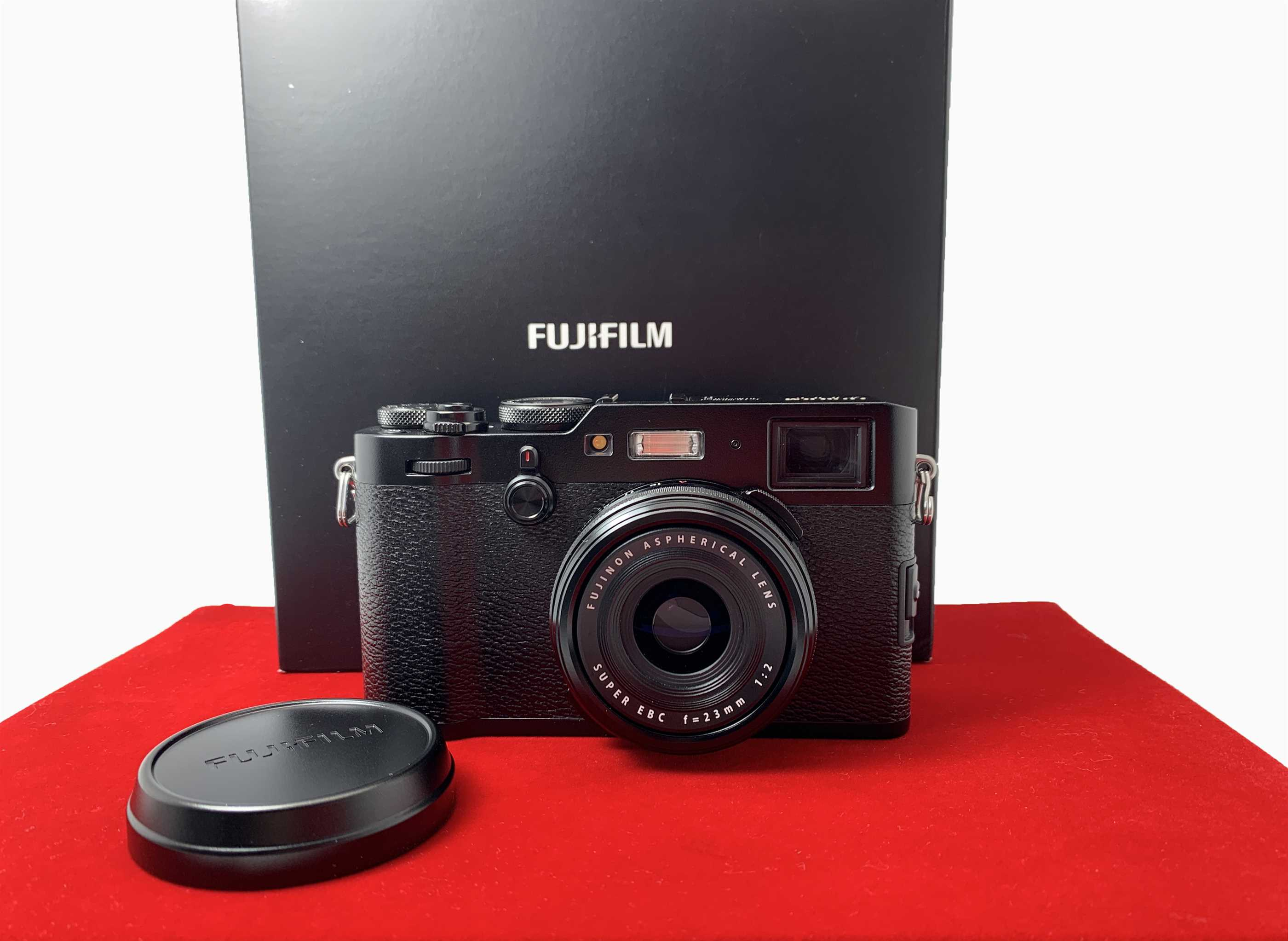 [USED-PJ33] Fujifilm X100F Camera (Black), 90% Like New Condition (S/N:72M51491)