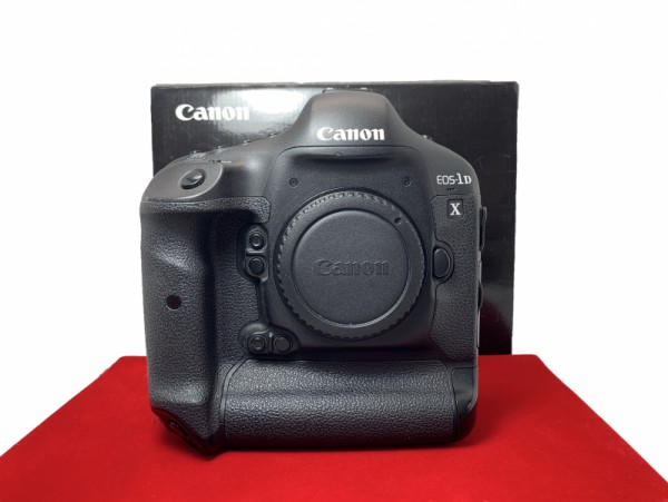 [USED-PJ33] Canon EOS 1DX Body, 90% Like New Condition (S/N: 04801100026)