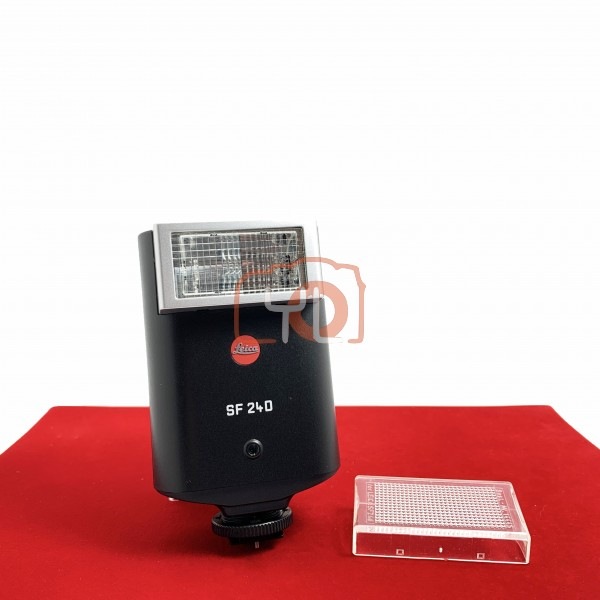 USED-PJ33] Leica SF 24D Flash, 95% Like New Condition (S/N:205083)
