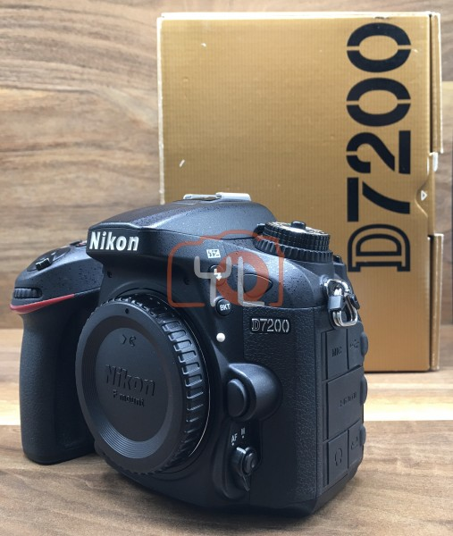 [USED @ YL LOW YAT]-Nikon D7200 Camera Body [ shutter count 11949 ],95% Condition Like New,S/N:6100202