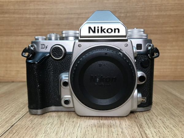 [USED @ YL LOW YAT]-Nikon DF Camera Body Silver [ shutter count 19k ],85% Condition Like New,S/N:8401662