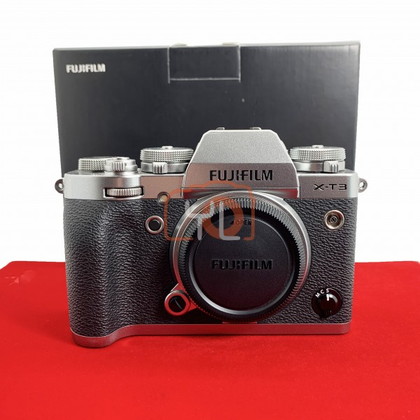 [USED-PJ33] Fujifilm X-T3 Body (Silver) (Shutter Count:7000), 88% Like New Condition (S/N:8DQ16039)