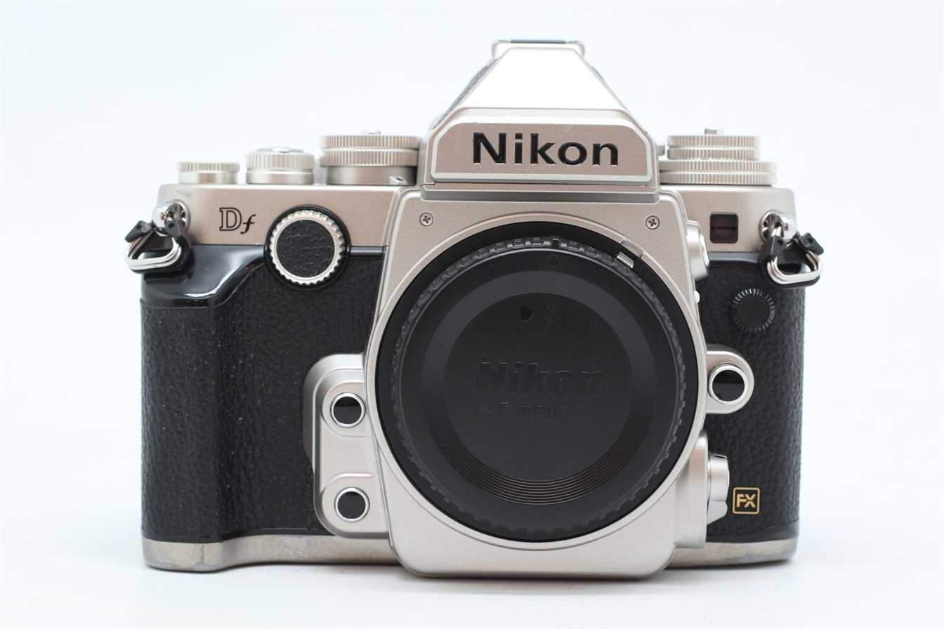 [USED-PUDU] NIKON DF CAMERA BODY (SILVER) 90%LIKE NEW CONDITION SN:8401267