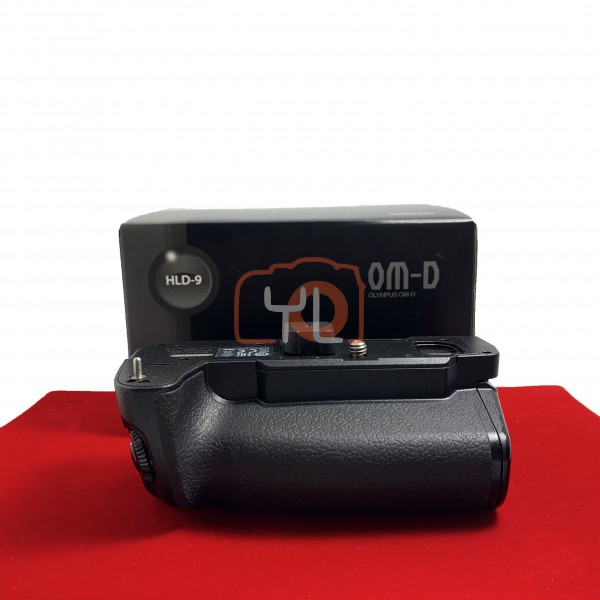[USED-PJ33] Olympus HLD-9 Battery Grip ( E-M1 Mark II), 90% Like New Condition (S/N:00AGANAD)