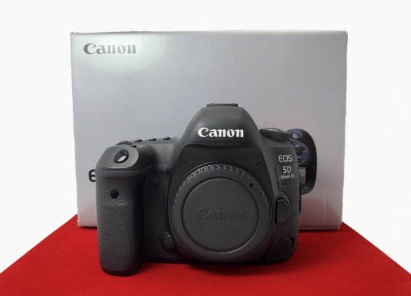 [USED-PJ33] Canon Eos 5D Mark IV Body (SC:2500), 90% Like New Condition (S/N:01802100519)