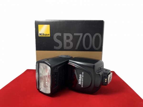 [USED-PJ33] Nikon SB-700 Speedlight, 90% Like New Condition (S/N:2180319)