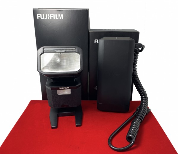 [USED-PJ33] Fujifilm EF-X500 Flash + EF-BP-1 Battery Pack, 95% Like New Condition (S/N:111846)