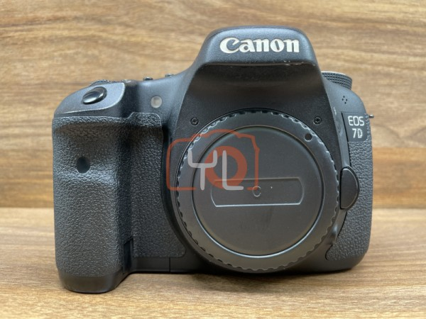 [USED @ YL LOW YAT]-Canon EOS 7D Camera Body [ shutter count 71835 ],90% Condition Like New,S/N:0680507699