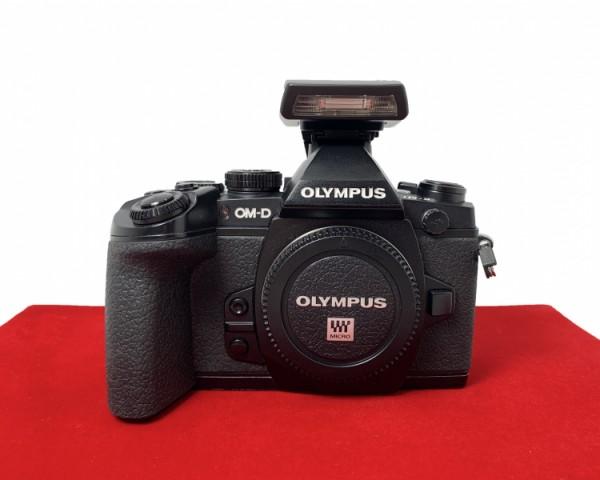[USED-PJ33] Olympus E-M1 Body (Black), 90% Like New Condition (S/N:BHP323279)