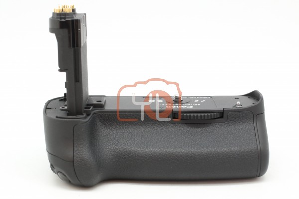 [USED-PUDU] Canon BG-E11 Battery Grip For EOS 5D Mark III,EOS 5DS & EOS 5DSR 95%LIKE NEW CONDITION SN:2102000394