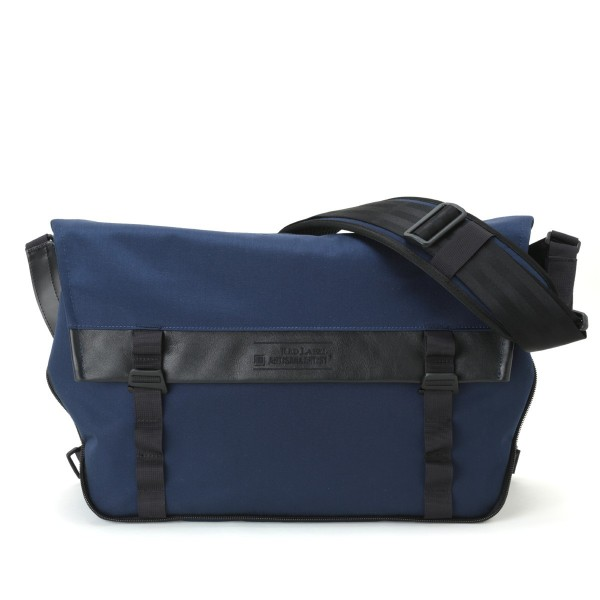 Artisan & Artist RDB-MG300 Messenger Bag (Navy)