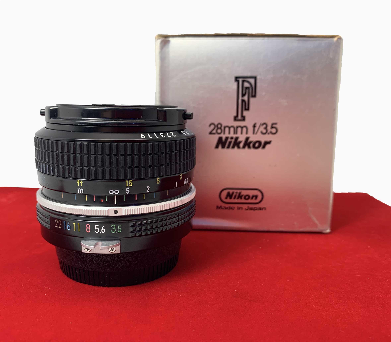[USED-PJ33] Nikon 28mm F3.5,99% Like New Condition (S/N:273119)