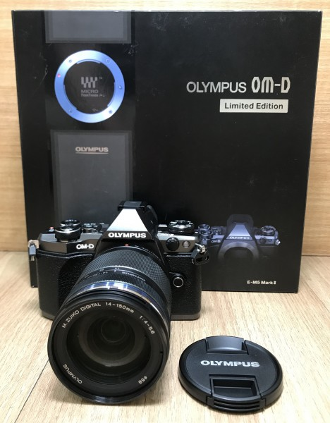 (USED YL LOW YAT)-Olympus OM-D Limited Edition E-M5 Mark II 14-150mm II Kit (Titanium),99.9% Condition Like New,S/N:BHFA06059