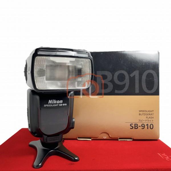 [USED-PJ33] Nikon SB-910 Speedlight, 90% Like New Condition (S/N:2352284)