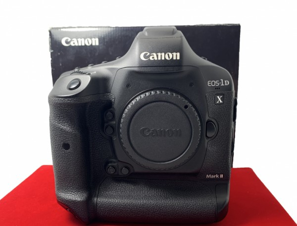 [USED-PJ33] CANON Eos 1DX Mark II Body (SC:33K), 90% Like New Condition (S/N:048011000110)
