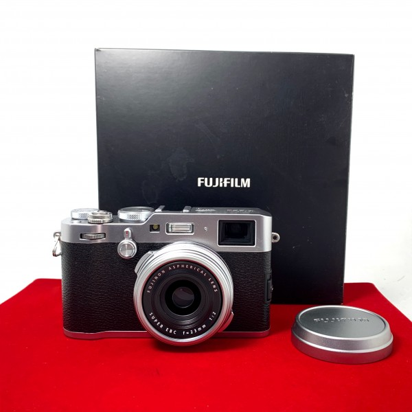 [USED-PJ33] Fujifilm X100F Camera (Silver), 95% Like New Condition (S/N:71M04254)