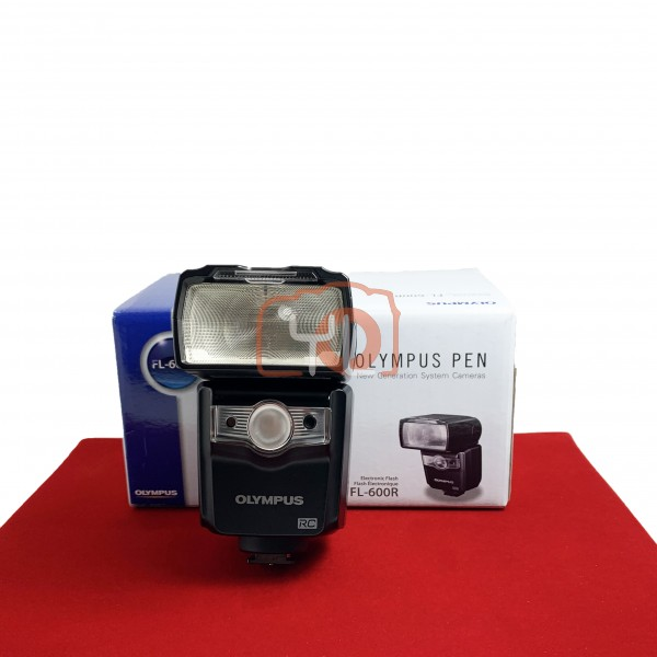 [USED-PJ33] Olympus FL-600R Flash, 95% Like New Condition (S/N:100796)