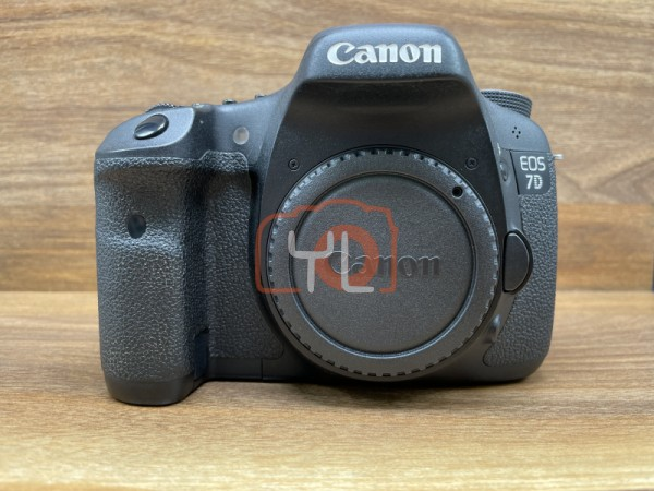 [USED @ YL LOW YAT]-Canon EOS 7D Camera Body [ shutter count 76K ],90% Condition Like New,S/N:2681231085