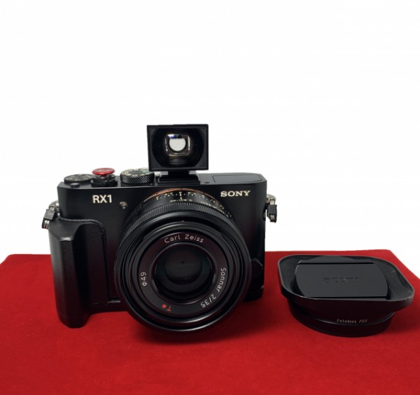 [USED-PJ33]  Sony DSC-RX1 + FDA-V1K OVF, 90% Like New Condition (S/N:5225046)