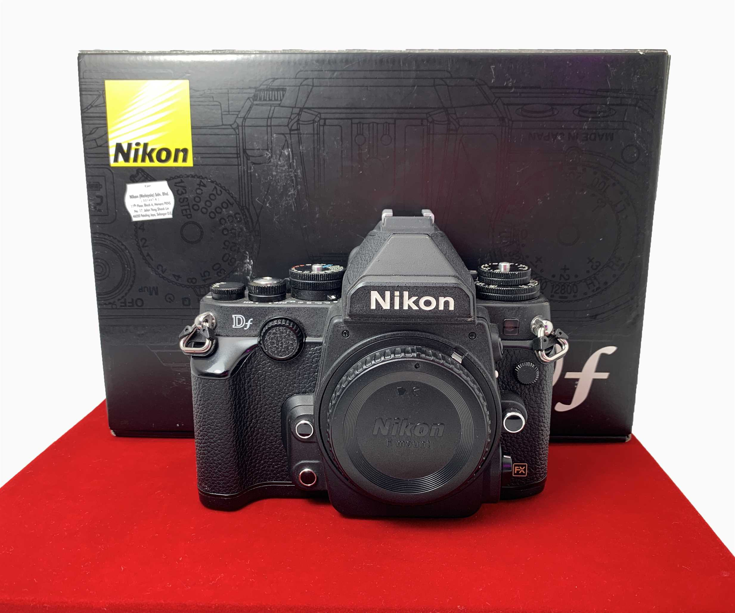 [USED-PJ33] Nikon DF Camera Body (Black),85% Like New Condition (S/N:8401777)