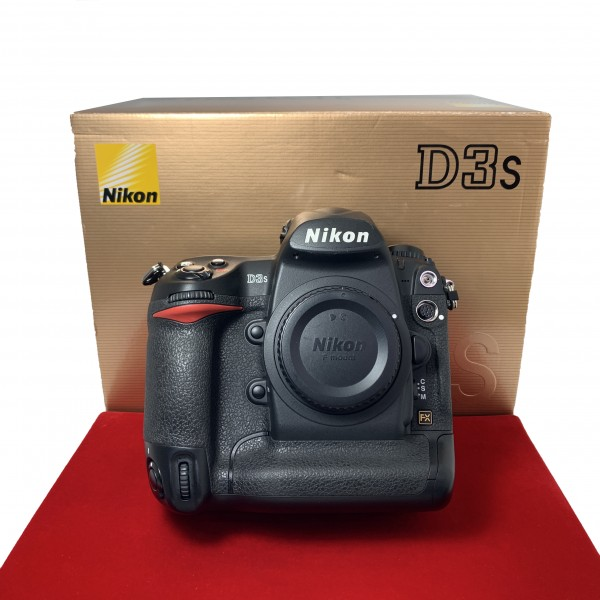 [USED-PJ33] Nikon D3S Body (Shutter Court:16K), 90% Like New Condition (S/N:2033729)