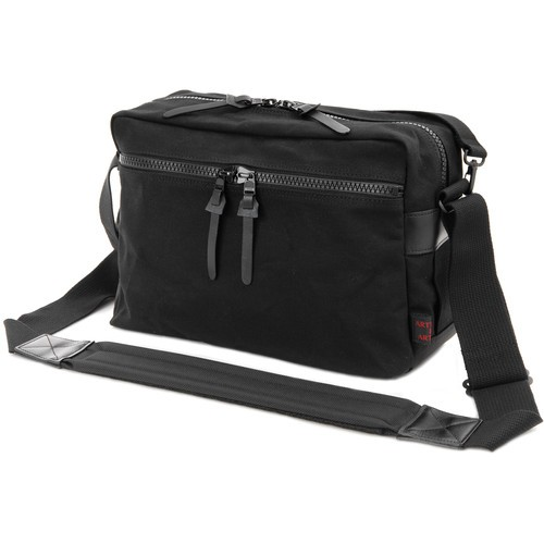 Artisan & Artist ACAM3000 Penn's Pad & Pencil Camera Satchel (Black)