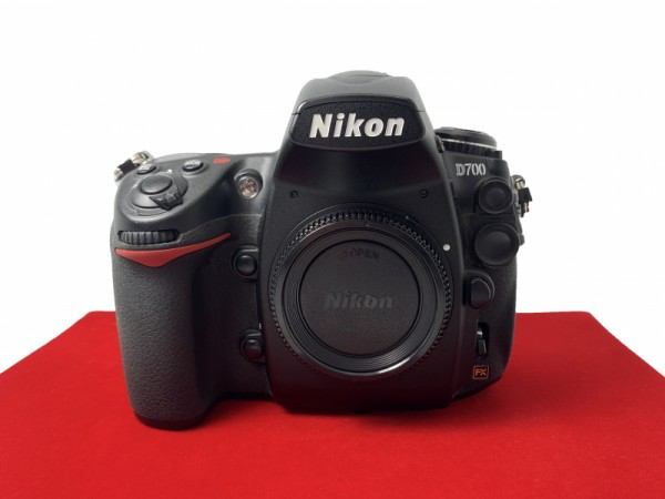 [USED-PJ33] Nikon D700 Body (Shutter Court :52K) ,90% Like New Condition (S/N:2029174)